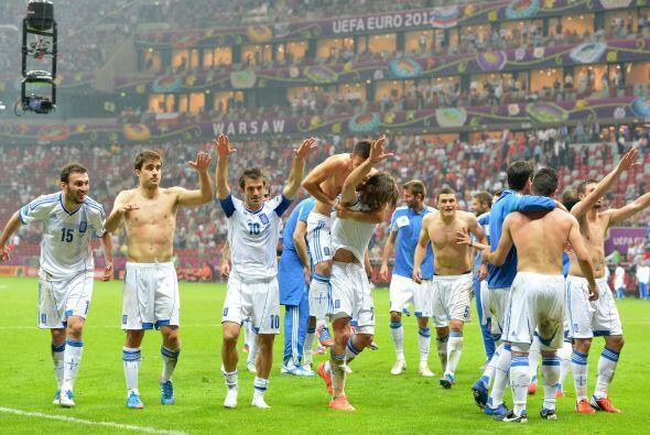 Los griegos sorprendieron y así celebraron su victoria sobre Rusia.