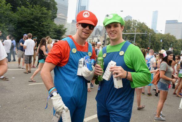 Los Marios Bros. No podían perderse el festival.