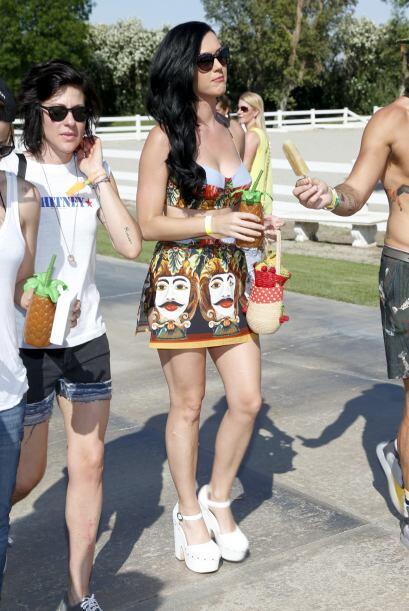 Katy Perry, Carmen Electra, Danny DeVitto, Stacy Keibler (sin George Clo...