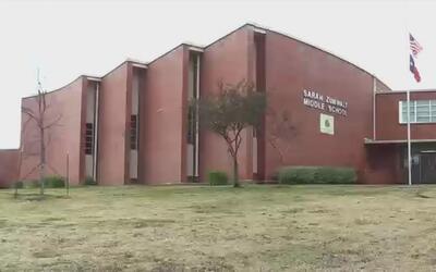 Cierre de la secundaria en Zumwalt obliga el traslado de estudiantes a o...
