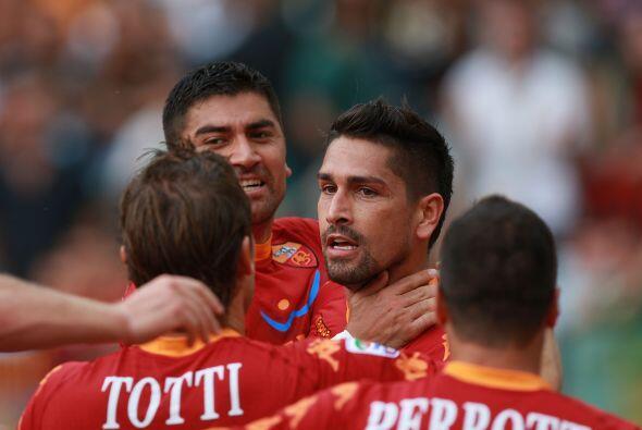 El goleador Marco Borriello, ex Milan, puso el primer gol en favor de lo...