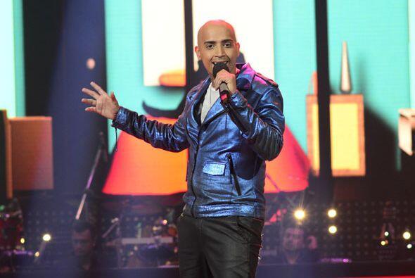 """José Palacio cantó """"Propuesta Indecente"""" en la segunda gala."""