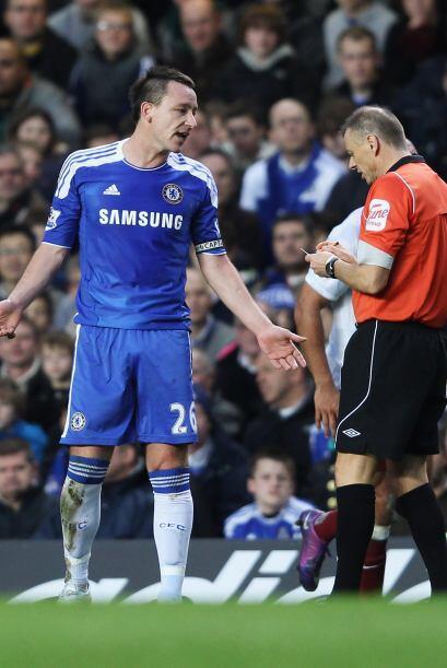 Chelsea sufrió ante el Aston Villa en el último partido del año.