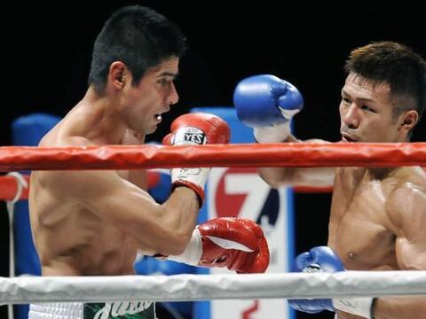 El mexicano Juan carlos Salgado defendió el título mundial...