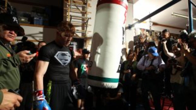 Saúl 'Canelo' Álvarez con la estrategia para derrotar a Floyd Mayweather...