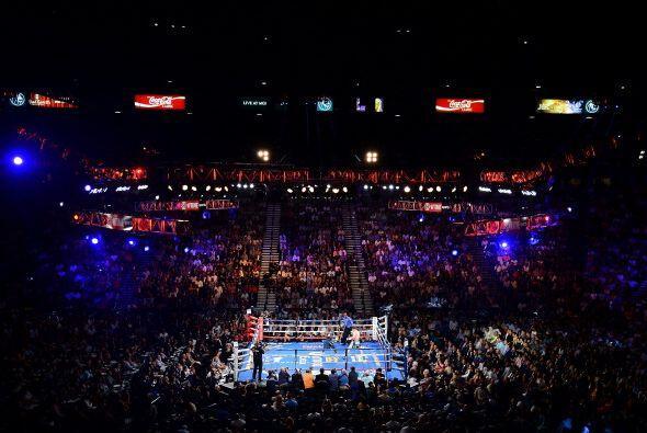La arena del MGM Grand de Las Vegas, lució llena, la mayoría de la gente...