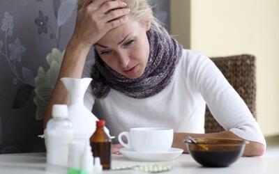 Los síntomas de la influenza pueden incluir fiebre, tos y dolor d...