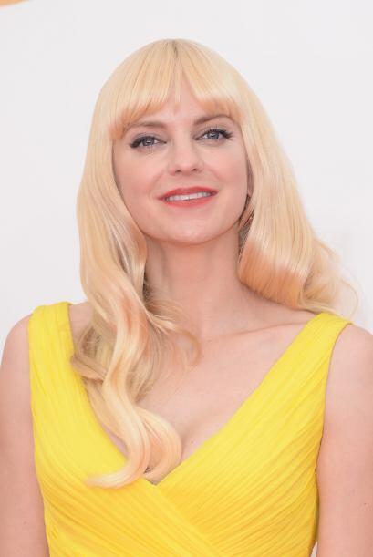 A Anna Faris se le pasó de amarillo el tinte.
