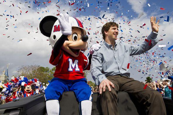 Como parte de las prerrogativas de ganar el JMV del Super Bowl, Eli Mann...