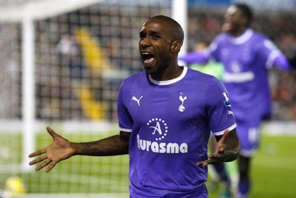Defoe se reencontró con la máxima alegría, el gol.