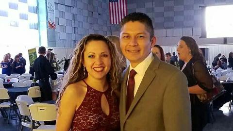 Carlos Hernández Pacheco y su esposa.