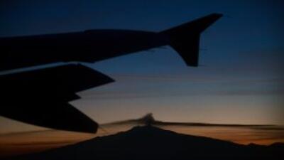 También fueron adquiridos para la tripulación del avión, cuatro pares de...