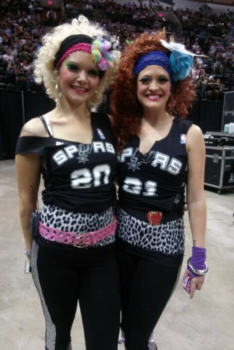 Fans San Antonio Spurs