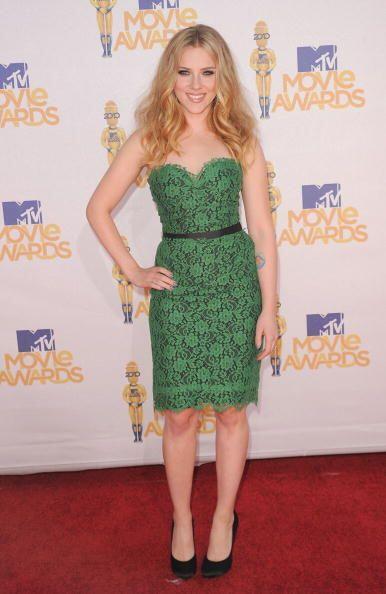 Otra que optó por un  vestido verde de Dolce&Gabbana para los...