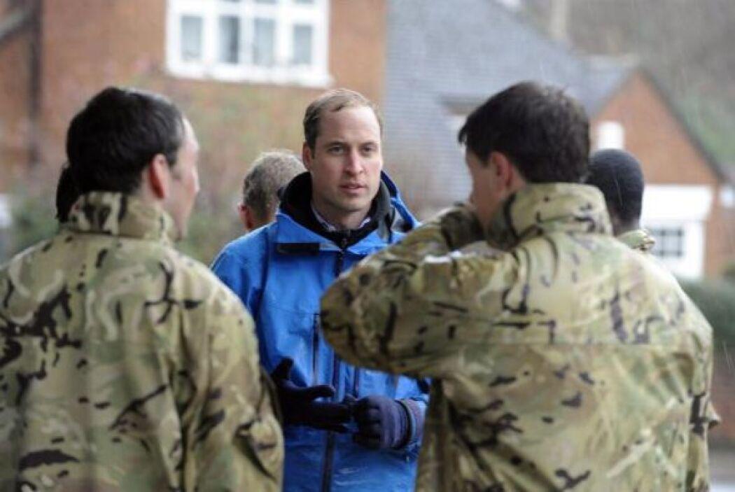 La situación de miles de afectados por las inundaciones en Inglaterra am...