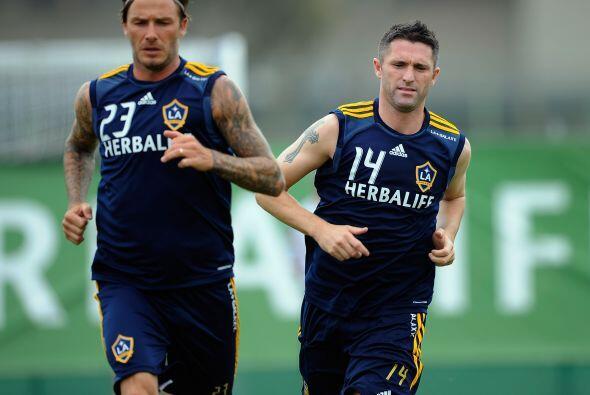 Beckham y Keane parecen inseparables en los entrenamientos, y los hincha...