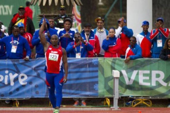 El cubano Guillermo Martínez hizo valer su condición de favorito y se co...