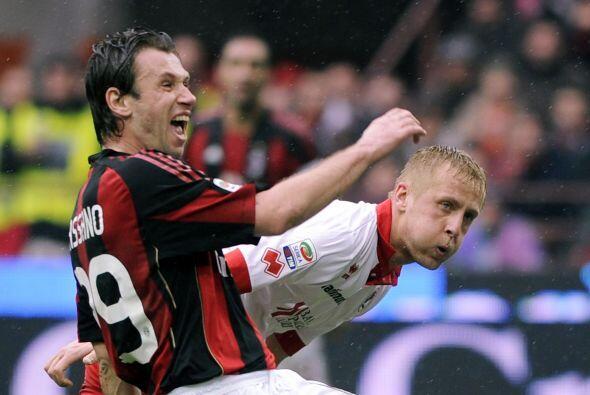 Sin embargo, el ex Sampdoria Antonio Cassano sacó la casta por el Milan...