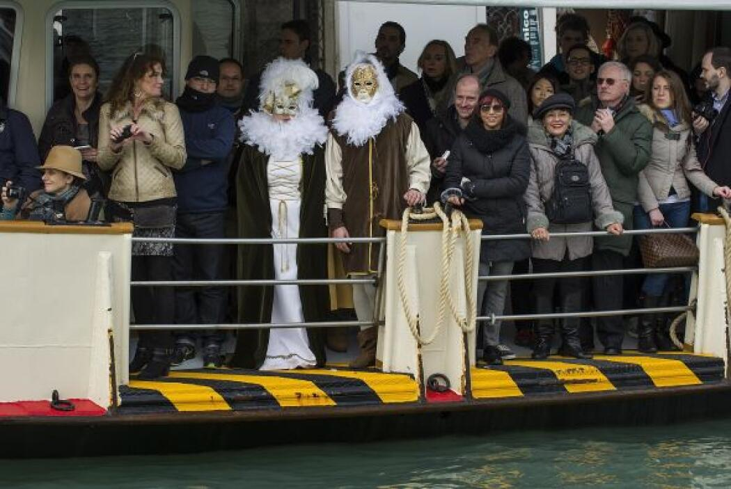 """El primer desfile se acaba con el """"vola della pantegona"""" (el vuelo del r..."""
