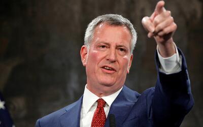 """Alcalde de Nueva York: """"Escuelas no van a compartir datos con agentes de..."""