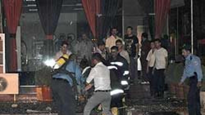 Irak: 30 muertos, entre ellos 14 extranjeros, en el incendio de un hotel...
