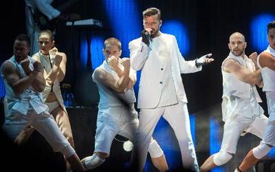 Elijah King grabó con Ricky Martin el tema del Mundial de Fútbol