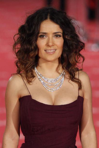 Salma Hayek: La guapa mexicana dio a conocer en una entrevista que no es...