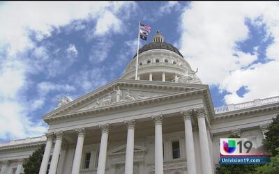 Aprueban una propuesta para que los baños de California sean neutrales