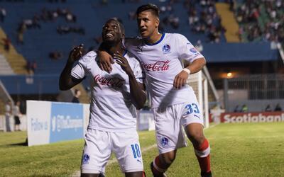 Olimpia sigue liderando en Honduras