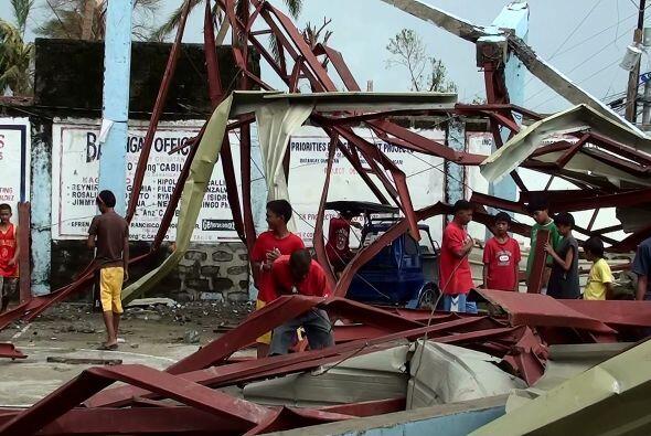 Varias zonas de la provincia de Isabela (norte) seguían privadas...