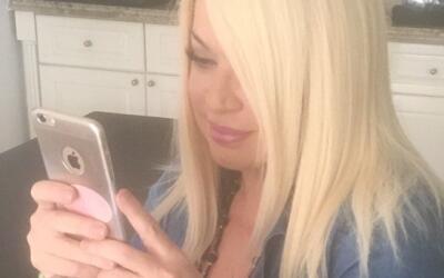 Ednita Nazario durante el Twitter Chat de KQ105.