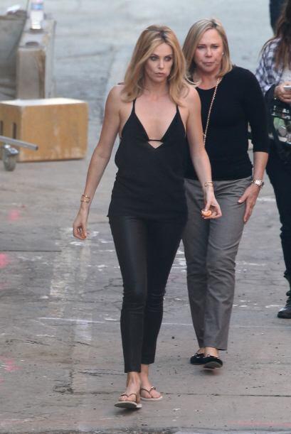 La actriz estuvo acompañada de su madre.