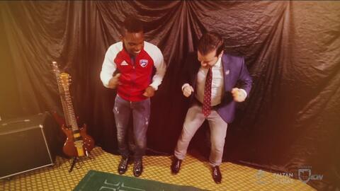 Fabián Castillo hace alarde de sus pasos de bailé