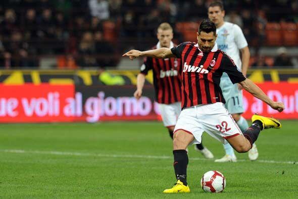 Los 'rossoneri' necesitaban ganar para mantenerse a la caza del Inter y...