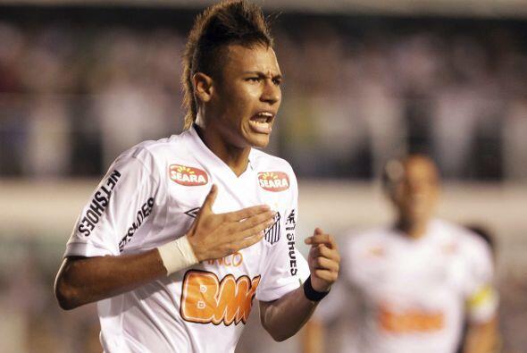 El Santos, con anotaciones de Elano, Danilo y Neymar, sí, el de la foto,...