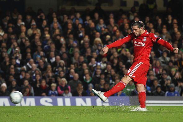 Los 'Reds' pudieron irse al frente con un penalti que cobró Andy Carroll...