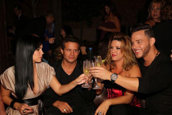 La Machado brindó con Scarlet y todas sus amistades. Mira aqu&iac...