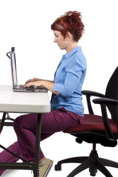 ¿Cómo es tu postura? Estar encorvada podría afectar tu nivel de energía,...