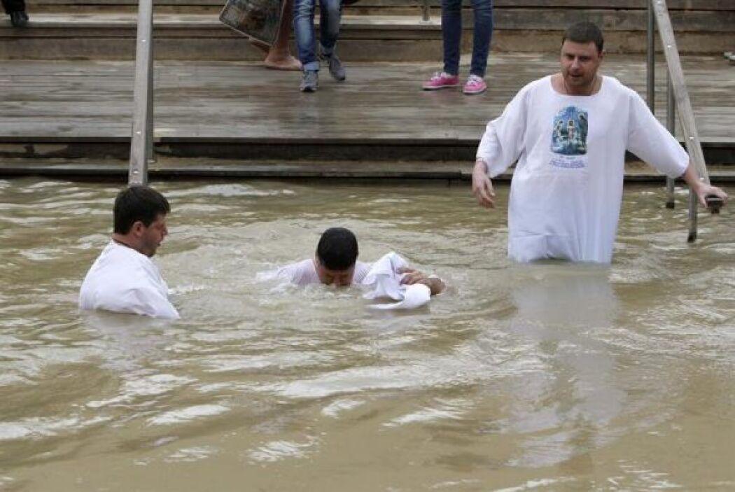 El lugar donde fue bautizado Jesucristo es objeto de debate entre Jordan...