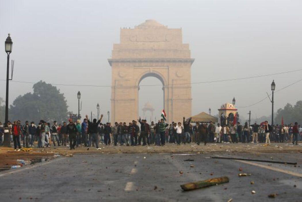 De acuerdo con medios locales, en la manifestación participaron jóvenes...