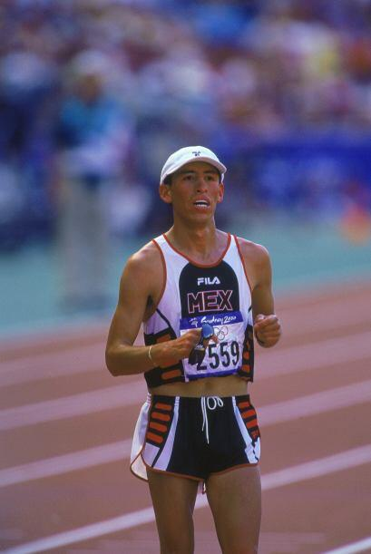 Noé llegó a su primera competencia a nivel internacional en 1997, en Apo...