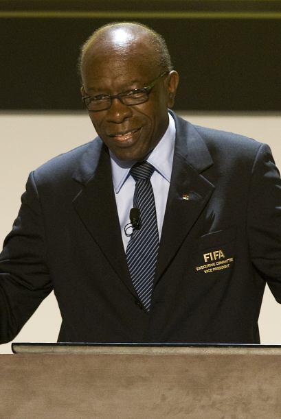 Tarjeta roja para Jack Warner, Vicepresidente de FIFA y presidente de CO...
