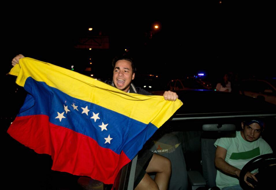 La oposición logra una contundente victoria en Venezuela AP_289069529013...