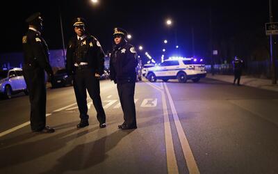 Policías en el vecindario Park Manor, en Chicago.