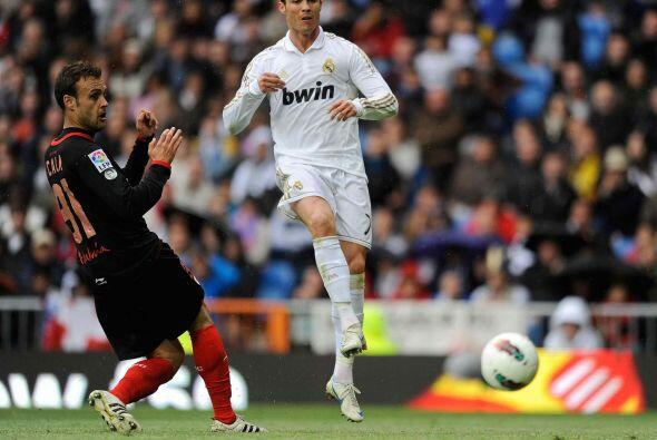 Pero el primer gol fue para el cuadro de casa apenas a los 19 minutos.