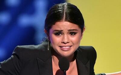 Selena Gomez se deshace en lágrimas