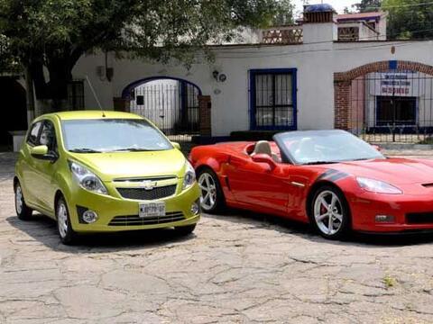 El Spark es el auto más barato de Chevrolet, y el Corvette es el más car...