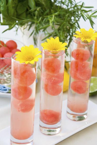 Y finalmente, con melón. El vodka y el melón harán...
