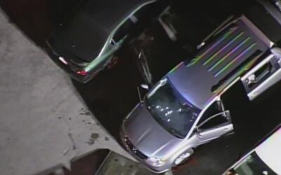 La policía investiga la emboscada a balazos que sufrieron dos agentes en...