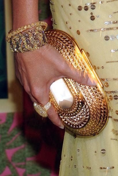 La firma Lorraine Schwartz fue la que adornó de manera muy lujosa sus ma...
